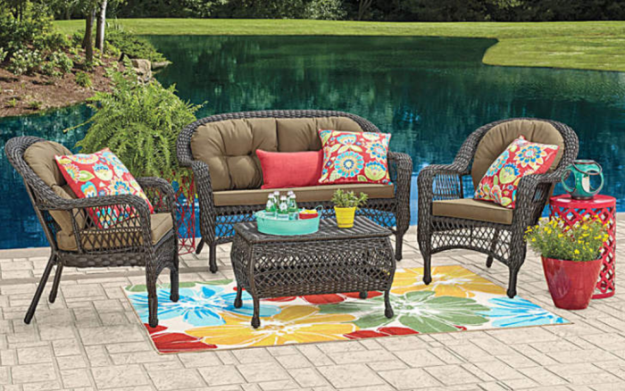 Outdoor living space for less